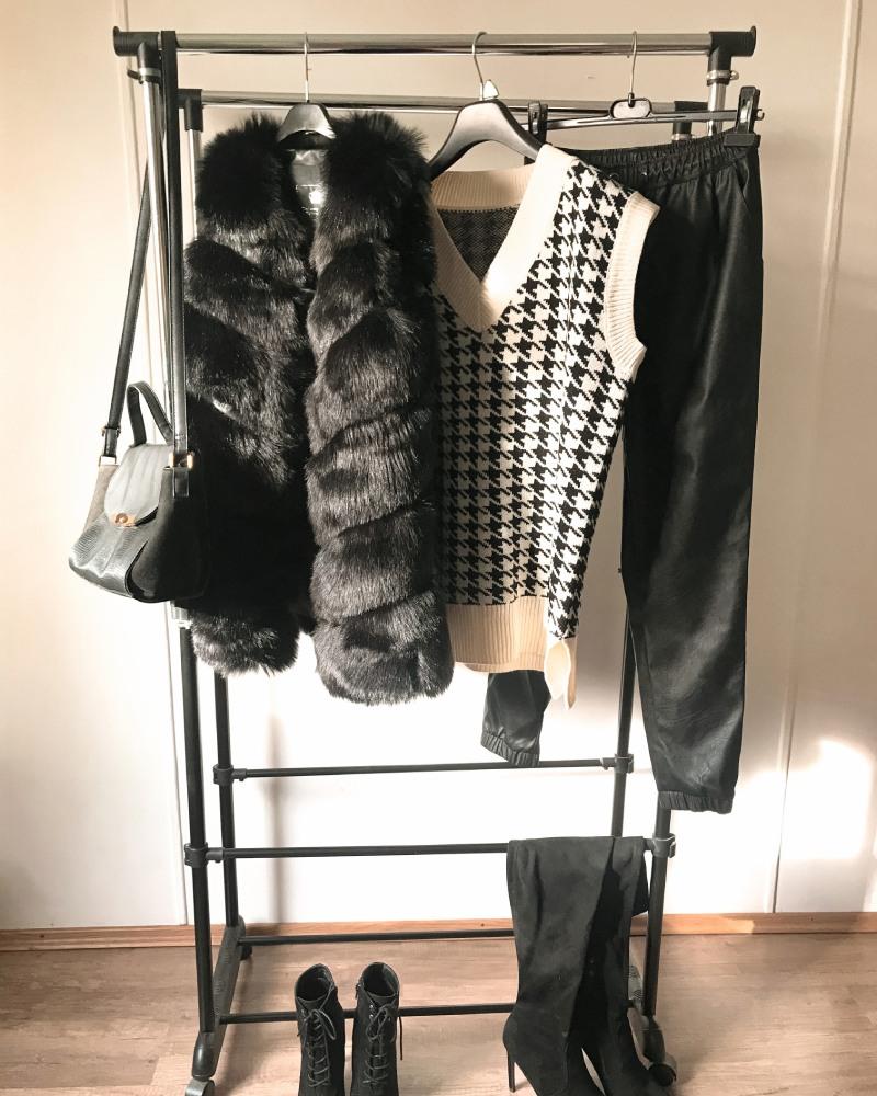 faux fur vest black